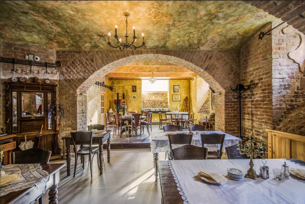 Klenby v restauraci Stern 1888 / ručně zpracovaná štuková omítka / 2015